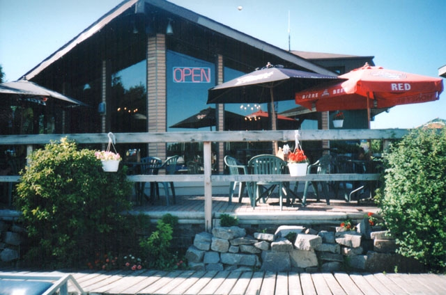 1000Islands_Restaurant and Patio